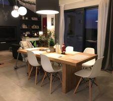 nouvelle table et nouvelles chaises