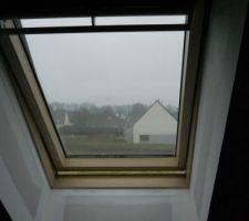Fenêtre de toit dans l'espace