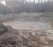 Tracé des fondations Lundi ça creuse et mardi c est coulé!