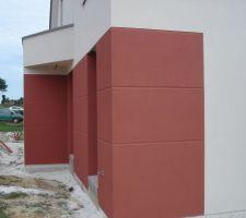Pour la couleur rouge -> Parex lanko > R90 brique rouge