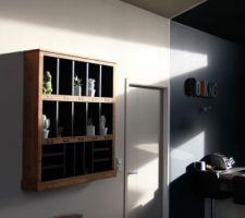 touche deco petite etagere bois h h avec petit bibelot care design