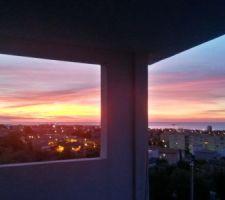 Depuis environ une semaine, tous les matins nous avons ce type de ciel, au réveil ça met du baume au coeur !!!