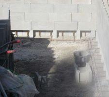 Agglo ouvert pour couler mur et fond en une seule fois.