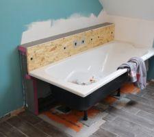 Muret et baignoire en cours