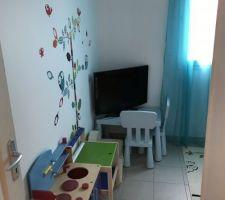 Voici la chambre du petio on a presque fini de ranger et d'aménager...maintenant gros coup de ménage et ça ira mieux!!!