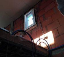 Cage d'escalier vers la douche Etage