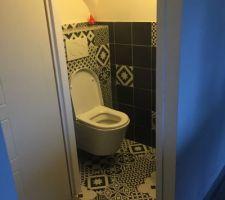 wc du bas en cours de deco