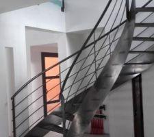 Sous l'étage, sera posé un plafond métallique plafometal