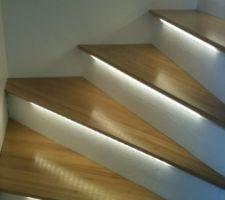 mon escalier beton recouvert de bambou avec bandeau led commande par arduino