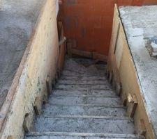 escalier beton coule il y a une semaine vue de l etage