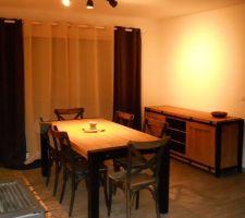 meubles en place et debut de la decoration