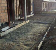 ca fait plaisir de voir la futur terrasse ensoleillee en fevrier exposition nord ouest coulage de dalle prevue pour lundi