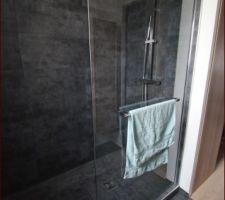 paroi de douche posee