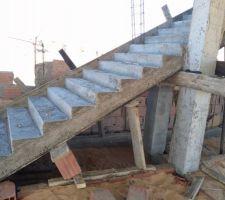 L'escalier quelques jours après le coulage