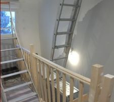 Escalier combles - AVANT