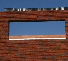 vue sur les voutes en briques droite soutenue par une corniere en acier galvanise