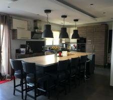 Le coin cuisine-salle à manger fini, reste plus que la peinture definitive