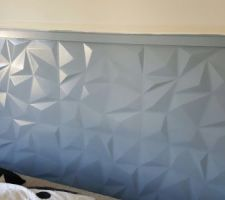 Tête de lit peint en bleu