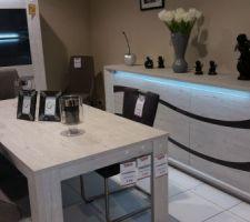 Choix de la salle à manger chez Toff (Magasin en Belgique)