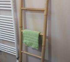 Echelle bambou porte serviettes