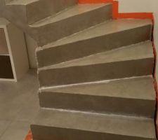 Escalier béton mineral
