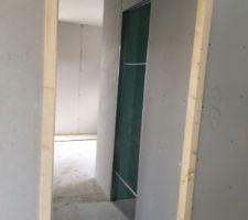 RDC : entrée chambre
