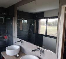 Miroir de notre salle de bain installé