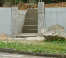 escaliers et mur de soutenement