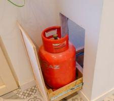 Trappe à bouteille de gaz coulissante