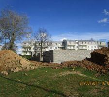 les murs montent par contre plus agglomeration reprise du chantier jeudi