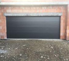 Porte de garage 5 x 2,10m, marque ALUDOOR
