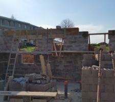 photo prise durant une reunion avec mon constructeur des maisons le masson du havre j ai recu des explications sur ce qui avait ete fait et sur la suite du chantier