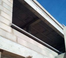 Pose des appuis de fenêtres anthracite