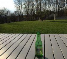 Première bière su ma terrasse avec le salon de jardin ! top