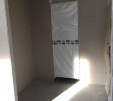 Emplacement pour placard de l'entrée et WC du rdc