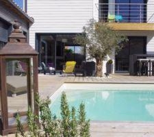 Terrasse et piscine...ça avance doucement mais sûrement!
