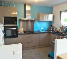 LA cuisine ... manque encore les petites crédences et la verrière (et le super frigo...)
