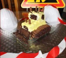 Gâteau bulldozer (soyez indulgent ce n'est pas une cat toute neuve mais une mitsubishi qui a fait beaucoup de chantiers!)