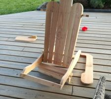 Fauteuil DIY Adirondack en cours de montage