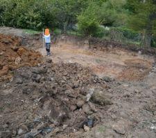 oh les gars doucement sur le chantier terrassement quasi fini avec fondation prevue pour mardi n oublie pas que vous avez un delais de 14mois les gars ils ont manges du lion ma parole