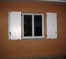 Première fenêtre avec volets terminés