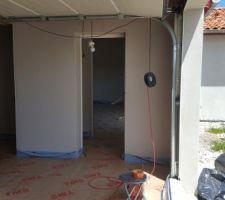 Porte entre maison et garage
