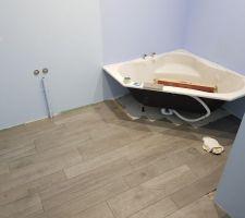 Salle de bain des enfants étage