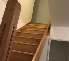 Escalier sans rambarde Aucune trace