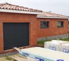 Garage sectionnelle avec ouverture motorisée