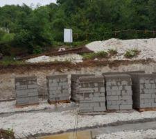 Les fondations ont été coulés hier juste avant l orage