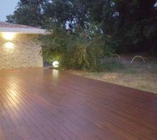 Test éclairage extérieur de la terrasse.