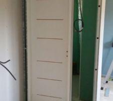1ere porte posée WC étage