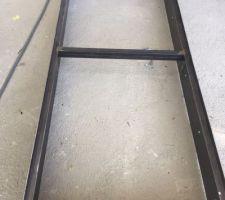 Support plancher vitré