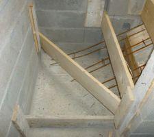 Coffrage de l'escalier du s/sol
